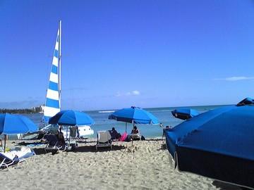 ワイキキの浜辺(2)